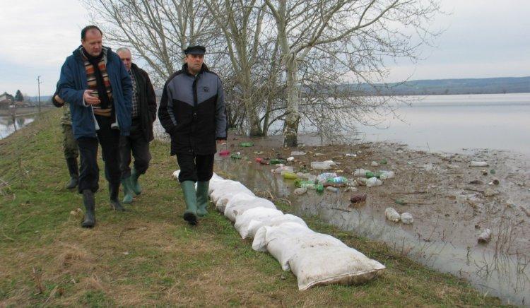 Михаил Миков алармира за наводнени къщи във видинския квартал Нов път